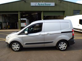 Ford Transit Courier AK17 DTN