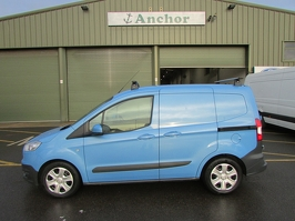 Ford Transit Courier NK15 ZDU