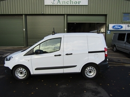Ford Transit Courier YP17 KSY
