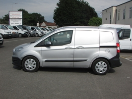 Ford Transit Courier BK64 PHF