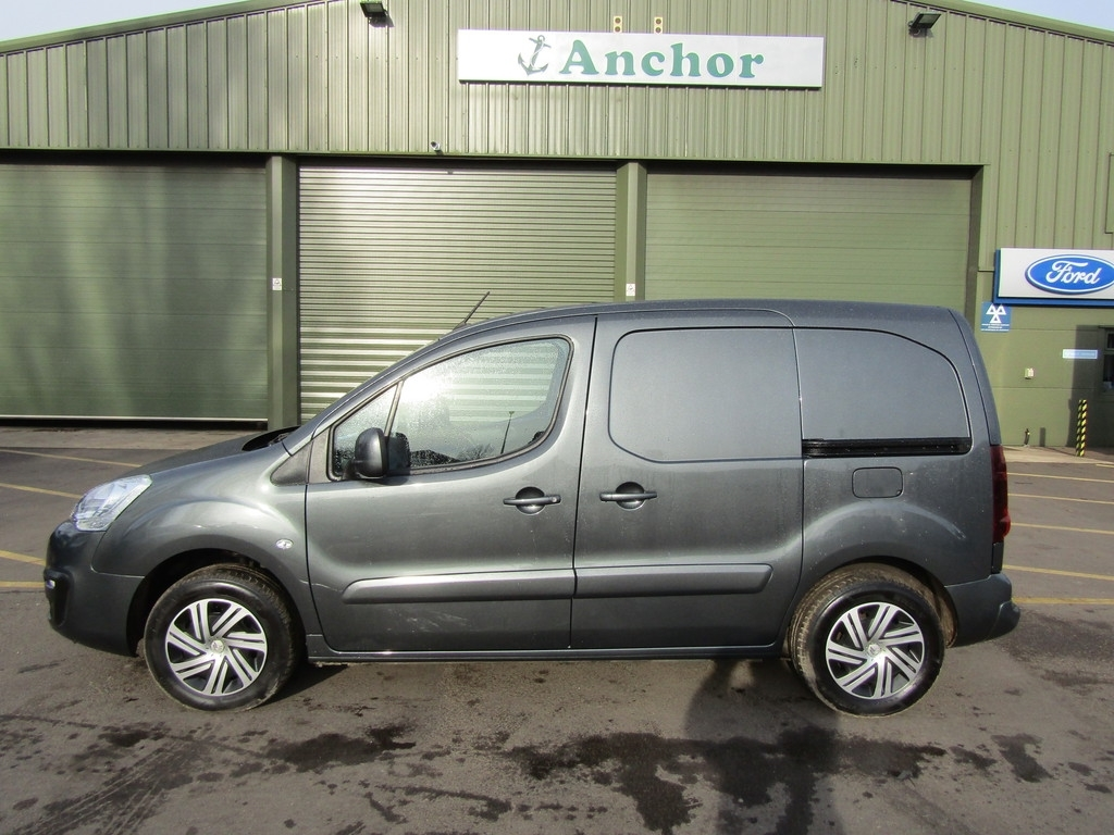 Citroen Berlingo YM17 XJC