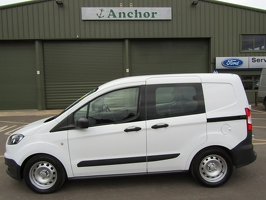 Ford Transit Courier HY16 XKO