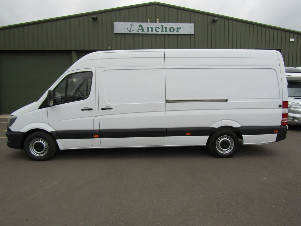 Mercedes Sprinter WP14 HNK