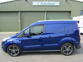 Ford Transit Connect YT18 GDF