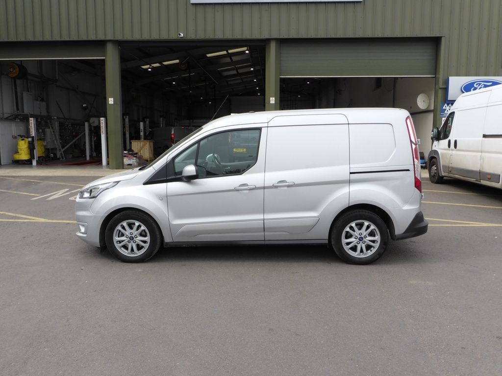 Ford Transit Connect YR68 UKP