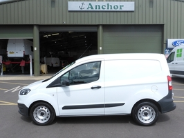 Ford Transit Courier VU17 FJE