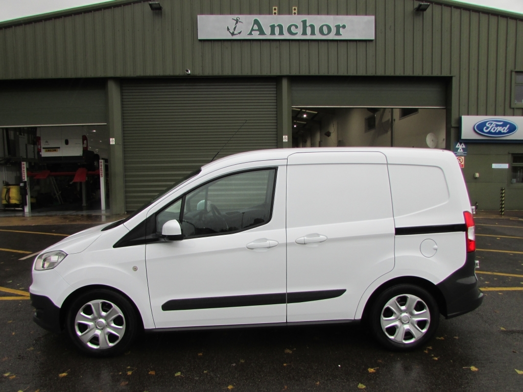 Ford Transit Courier MW64 KUT