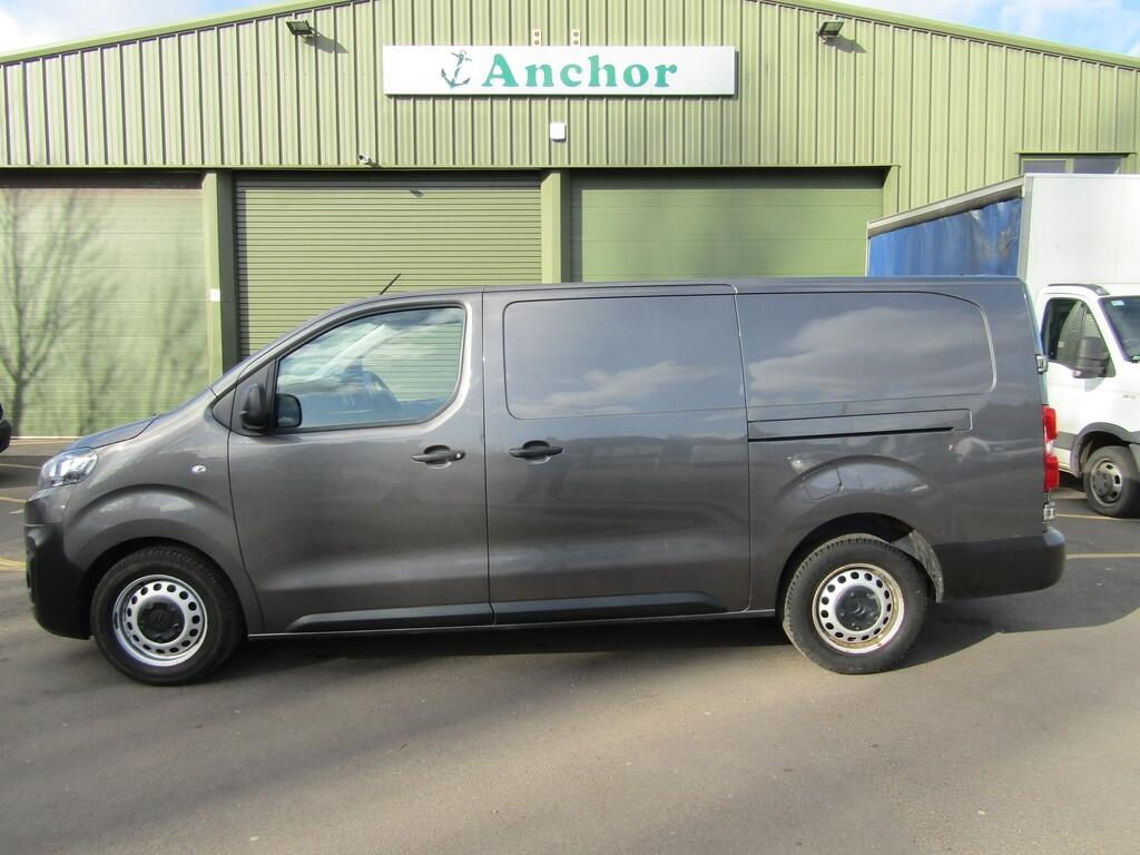 Citroen Dispatch YE17 AKN