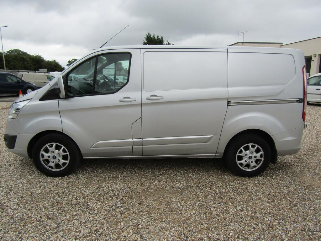 Ford Transit Custom CX64 XWU