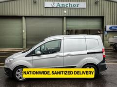 Ford Transit Courier YD66 ZBL